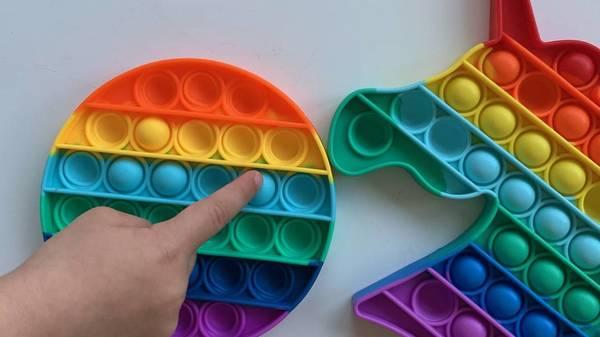Pop its: Der neue Spielzeugtrend für unruhige Hände