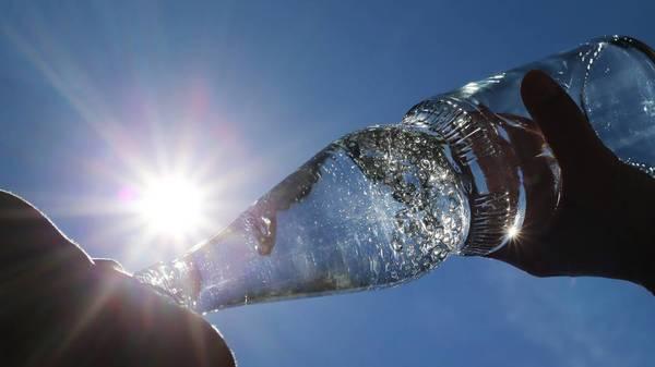 Leitungswasser oder Mineralwasser: Was ist besser?