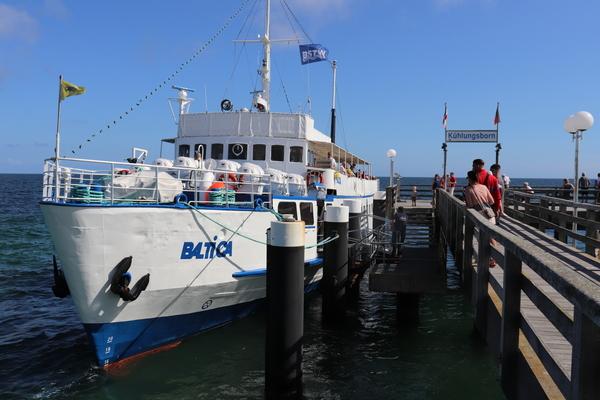Die MS Baltica startet an der Seebrücke zu Ausflugsfahrten (Foto: Cora Meyer)