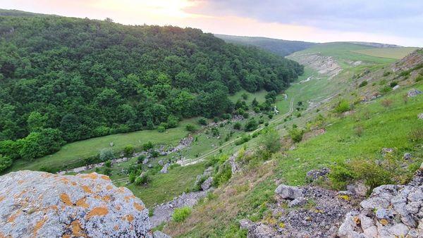 Călătorește la nordul Moldovei, la hotarul dintre trecut și prezent