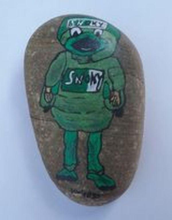 Kerstin Warthold von der Facebook-Gruppe SHGstones hat extra für die Schaumburger Nachrichten einen eigenen Stein gemalt.