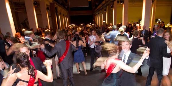 Feiern fällt flach: Viele Abiturienten in Sachsen müssen erneut auf ihren Abiball verzichten