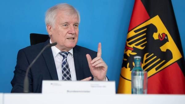 Seehofer: Bedrohungslage in Deutschland hat sich während Pandemie zugespitzt