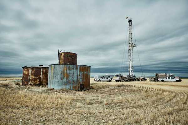 Capping methane-spewing oil wells, one hole at a time