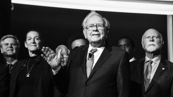 Warren Buffett Believes 3 Decisions in Life Separate Those Who Succeed From Those Who Fail | Inc.com