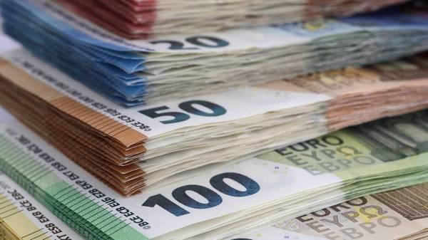 Ehrliche Finderin gibt 1090 Euro ab - Besitzerin überglücklich