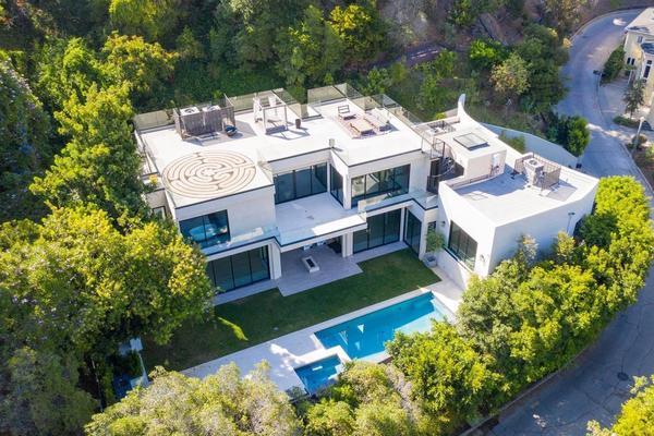 Heilkristalle und Meditationszirkel: Brooklyn Beckham und Nicola Peltz kaufen «Wellness-Villa» für 10 Millionen