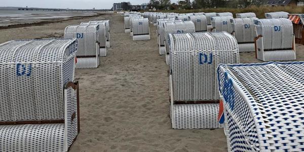 Alle Strandampeln im grünen Bereich, aber grauer Wochenstart: So ist die Lage an den Stränden der Lübecker Bucht
