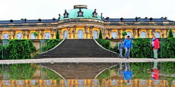 Nun auch offiziell erlaubt: Fotografieren in Potsdams Schlössern und Gärten