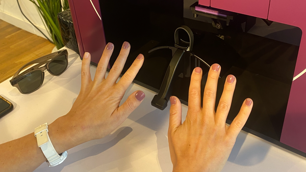 What's a robot manicure really like? Quick, cheap, and guilt-inducing.