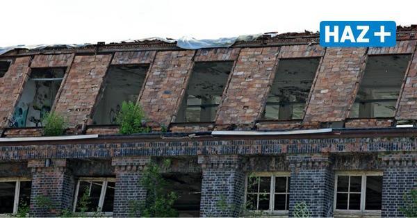 Denkmalschutzbehörden ordnen an: Wasserstadt-Altbauten bekommen Regenschutz