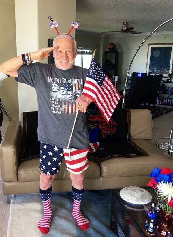 🚀 🧑🚀 Happy4thofJuly from @TheRealBuzz!
