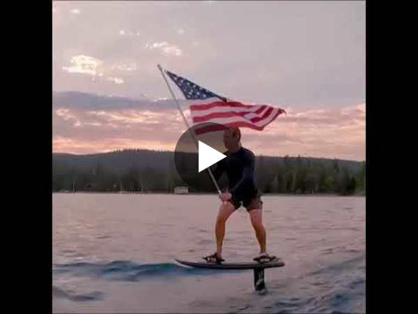 Mark Zuckerberg celebrating July 4th 🇱🇷