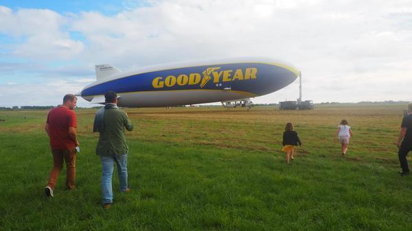 C'est quoi ce dirigeable Goodyear qui a survolé la Flandre ? - Wat is die zeppelin die over Frans-Vlaanderen vloog ?