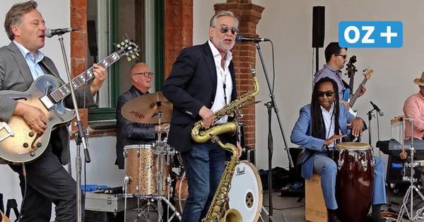 Endlich wieder Kultur: Pasternack und Band spielen Jazz am Schloss Wiligrad