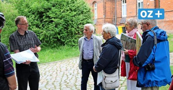 Sonderführung durch Althof: Das steckt hinter dem Mythos um Kapelle und Scheune