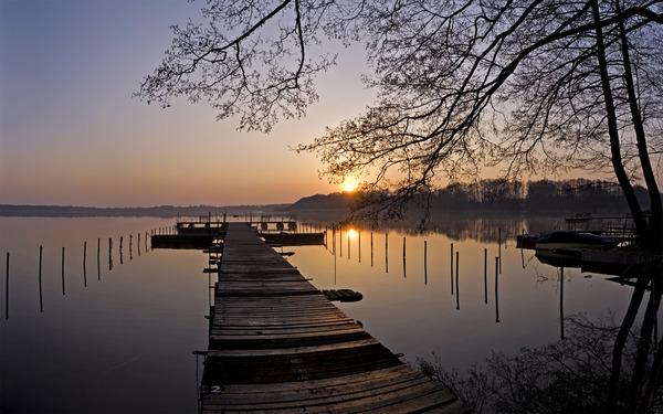 Sonnenuntergang über dem Pätzer Vordersee. Foto: Ralf Burgschweiger