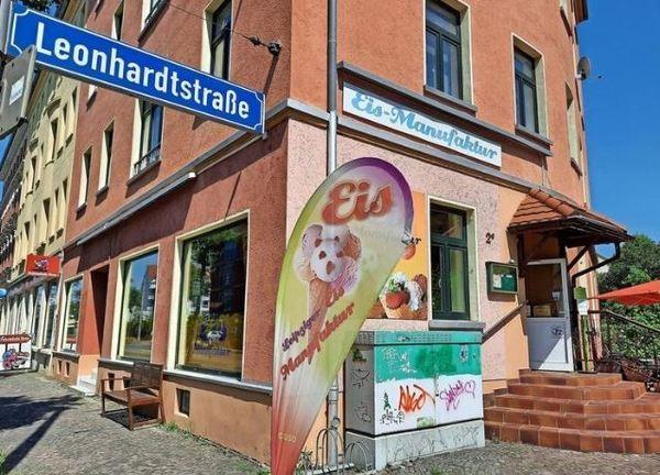 Die Eis-Manufaktur in Mockau gibt es seit zehn Jahren. Chef Albrecht Opitz hat mehr als 100 Sorten im Angebot. Foto: Regina Katzer
