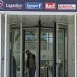"""Hémorragie de départs à Europe 1, en pleine """"déferlante"""" CNews"""