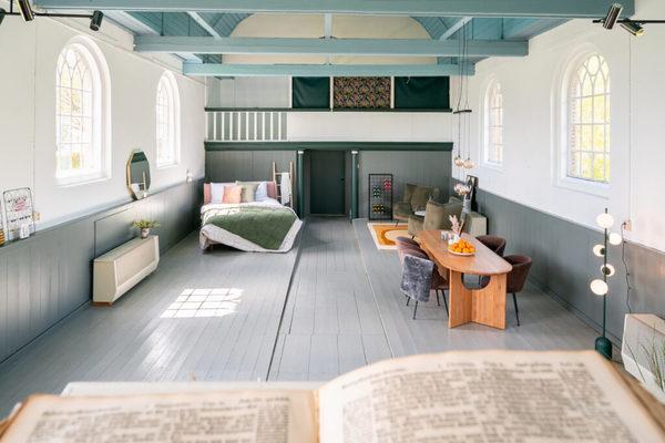 Origineel weekendje weg: slapen in een kerk (op een héél bijzondere plek)