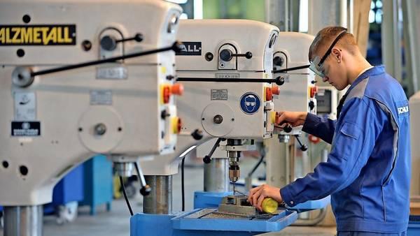 Ausbildung: Betrieben fehlt es an Azubis, obwohl viele Bewerber nach einem Ausbildungsplatz suchen