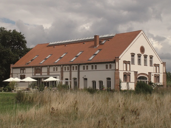 Das Landhaus Ribbeck, darin ist das Café Monet. (Foto: bak)
