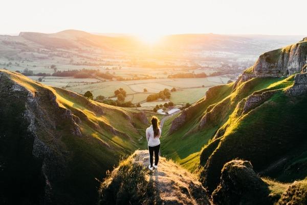 Ons diepe verlangen om te reizen in vijftien talen