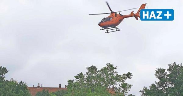 Rettungshubschrauber landet auf Küchengartenplatz-Wiese