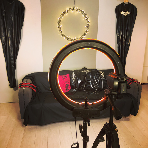 Comes with ring light, camera and operator