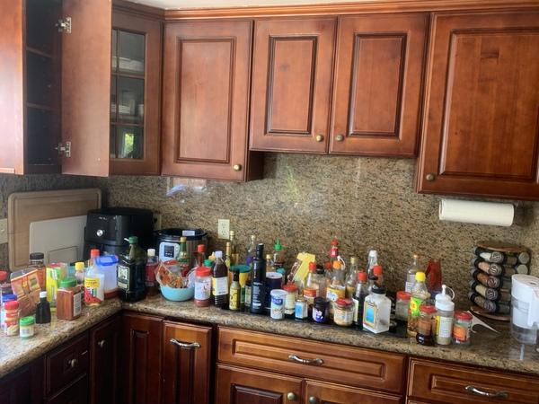 So many condiments!