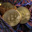 """EL Bitcoin emerge como posible alternativa de la moneda """"oficial"""" en Argentina"""