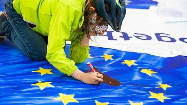 EU: 60 Prozent der Europäer sind mit Demokratie in der Europäischen Union zufrieden