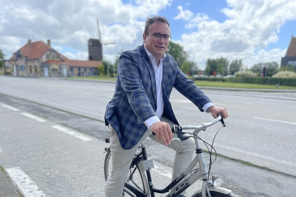La Province prévoit 200 kilomètres de nouvelles pistes cyclables dans la région du Westhoek. - Provincie plant 200 kilometer nieuwe fietspaden in de Westhoek