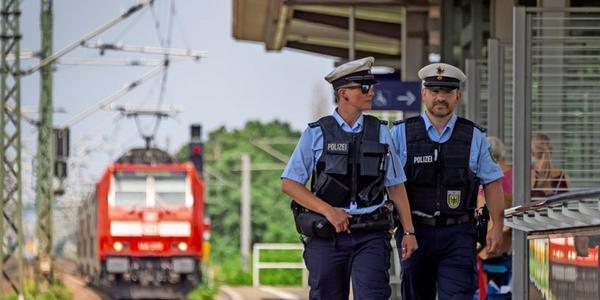 Selfies im Gleis: Polizei und Bahn warnen in Dresden vor Leichtsinn