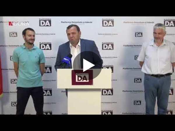 """""""Unii arunca cu tarana peste noi.Inca n-am murit"""".Platforma DA, despre demisia conducerii partidului"""