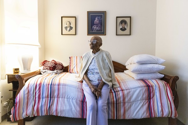 Edith Renfrow Smith in her bedroom at Bethany Retirement Community. She turns 107 tomorrow.   Anthony Vazquez/Sun-Times