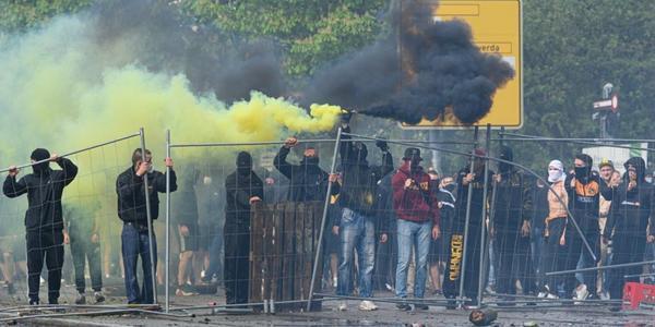Zweite Fahndung nach Dynamo-Randalierern: Drei Gesuchte stellen sich
