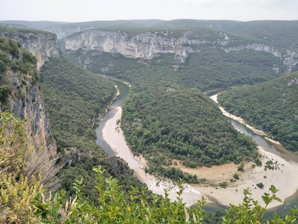 The gorge of the Ardèche. Stunning - can't wait to canoe/kayak this.
