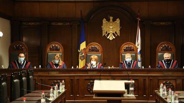 Poate sau nu CC să invalideze mandatul lui Ilan Șor sau ale altor deputați cercetați penal? Iată ce spune legea