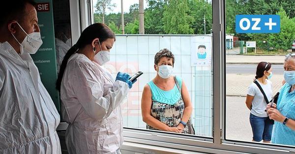 Impfpass, kaum Netz und Handyhilfe: So läuft es im Ahlbecker Corona-Testzentrum