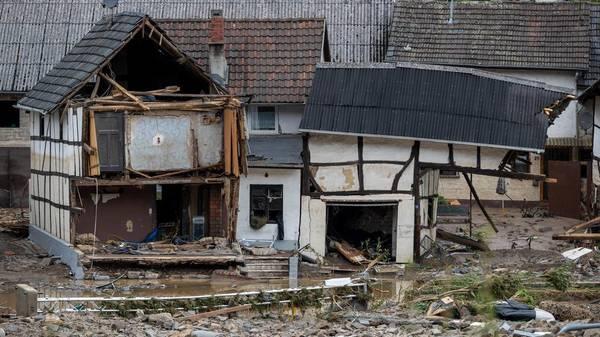 Schuld: Hochwasser in Kreis Ahrweiler - Häuser eingestürzt, Tote und Vermisste in NRW und RLP - Bilder einer Katastrophe