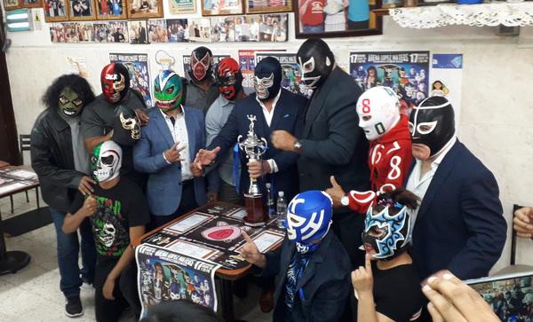 Blue Demon Jr. se prepara para luchar dos veces en su 37 Aniversario