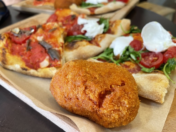 Pravá italská pizza al taglio a suppli ❤️