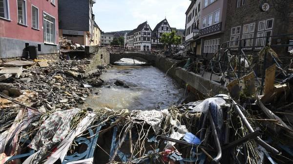 Unwetter-Liveticker: Inzwischen mehr als 140 Tote, vier Feuerwehrmänner gestorben, immer mehr Opfer auch in Belgien