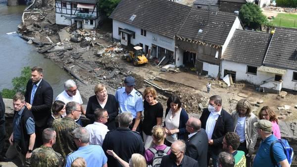 Unwetter-Liveticker: Merkel und Dreyer im zerstörten Schuld - neuer Dauerregen in Bayern erwartet