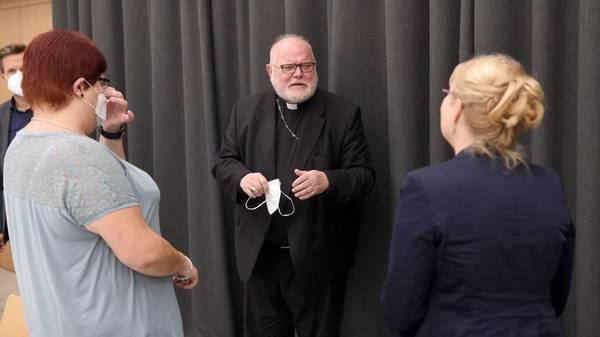 Katholische Kirche: Missbrauchstäter arbeitete als Priester - Kardinal Reinhard Marx bittet um Vergebung