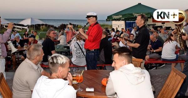 """""""Schlager und Meer"""" in Schönberg findet großen Zuspruch"""