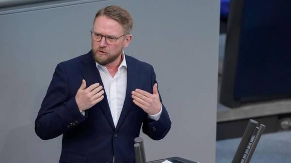 Delta-Variante: Linksfraktion im Bundestag fordert Sondersitzung des Bildungsausschusses