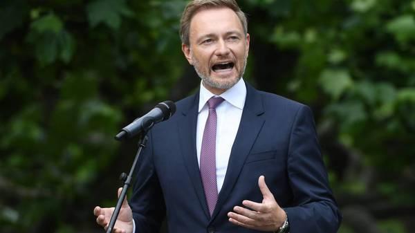 Christian Lindner will Finanzminister - FDP-Chef glaubt im Streben nach dem Amt an Laschet