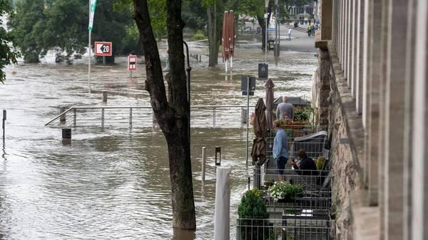 Verhaltensregeln bei Hochwasserkatastrophe: Wie für kommende Unwetter schützen?
